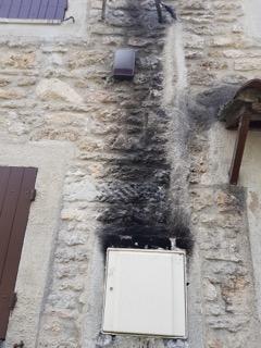 1 Trace de suie et de fumée jusqu_à l_étage1 20180503_131529
